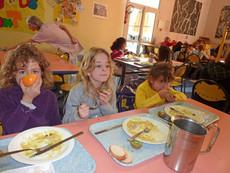 Repas à l'école maternelle Jean Jaurès