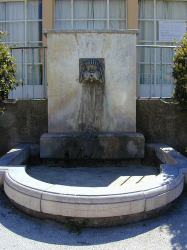 Fontaine de l'Ecole Marie Curie