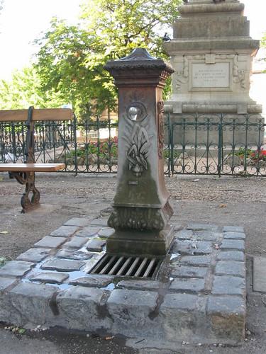 Fontaine du Cours de la Liberté