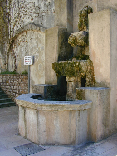 Fontaine Place Saint Sébastien