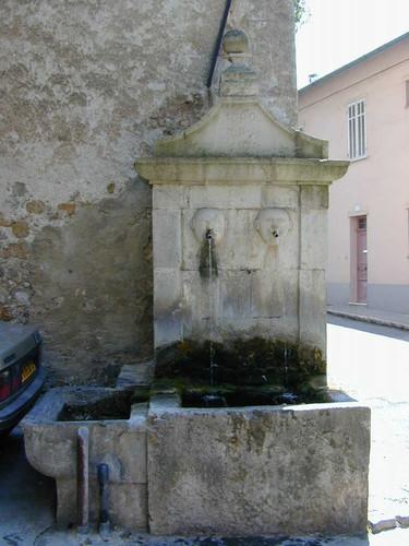 Fontaine Place du Collège